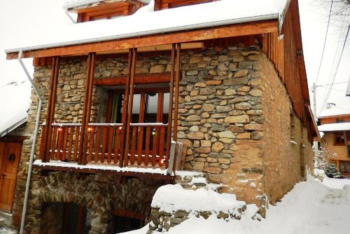 auris chalet website