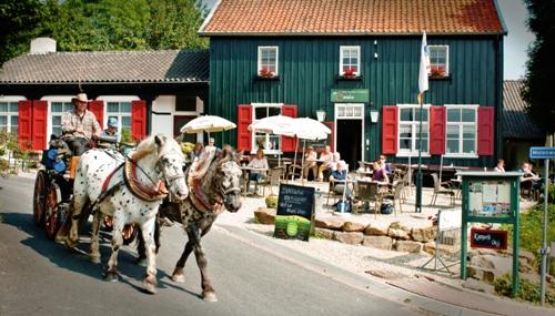 Smidse_2011_paard_wagen_copyright_Ivo_Vleugels_pdmediaWEBSITE